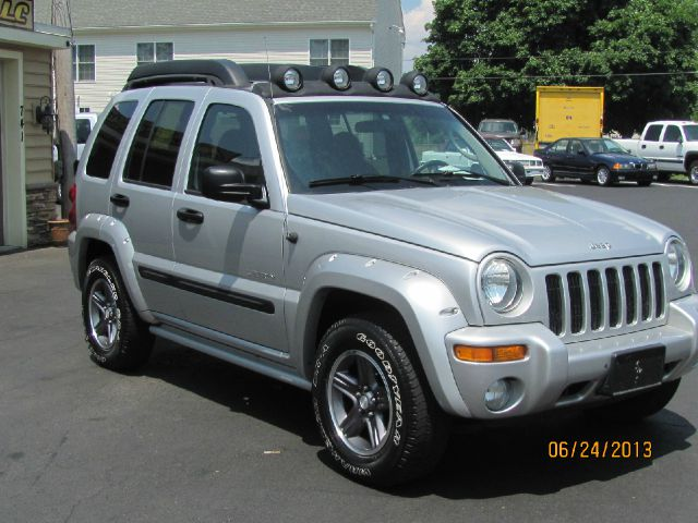 2004 jeep liberty renegade 4wd for sale in hanover. Black Bedroom Furniture Sets. Home Design Ideas
