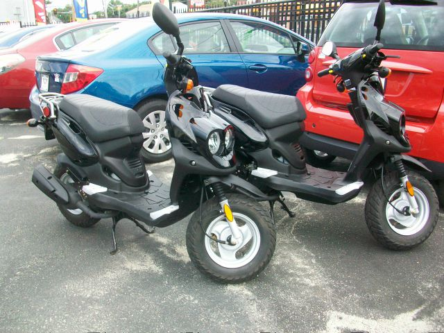 2009 GENUINE SCOOTER  ROUGHHOUSE 50