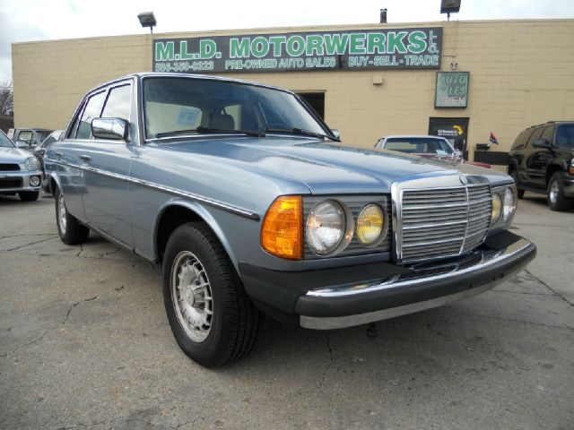 Used cars eastpointe used pickup trucks birmingham center for 1985 mercedes benz 300d