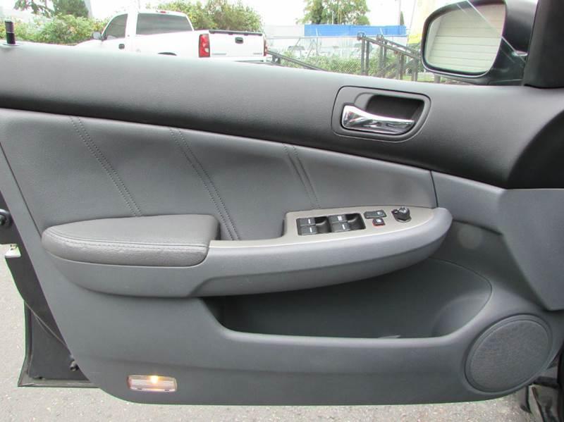 2006 Honda Accord EX V-6 4dr Sedan 5A - Burien WA