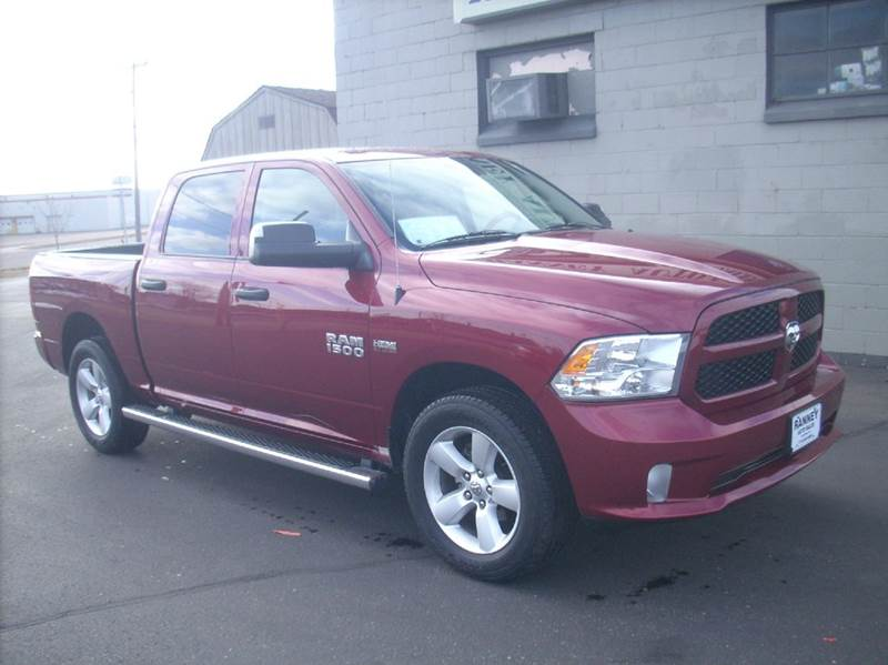 2015 RAM Ram Pickup 1500 4x4 Express 4dr Crew Cab 5.5 ft. SB Pickup - Eau Claire WI