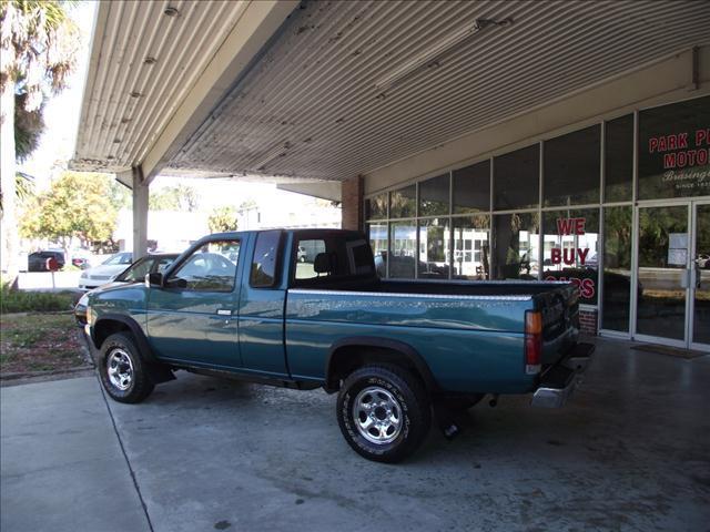 1995 Nissan Pickup 4X4 - Gainesville FL