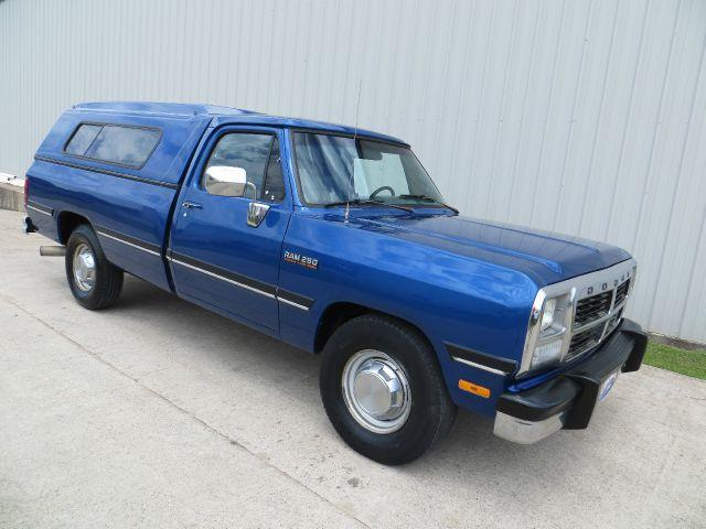 1993 Dodge D250 Pickup 5spd manual 12 CUMMINS DIESEL - Houston TX