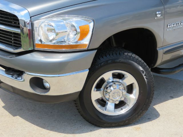 2006 Dodge Ram 2500 SLT 6SPD MANUAL CUMMINS 4X4  - Houston TX
