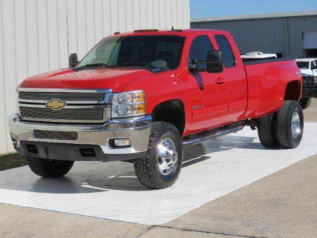 maroon lifted chevrolet for sale houston autos post. Black Bedroom Furniture Sets. Home Design Ideas