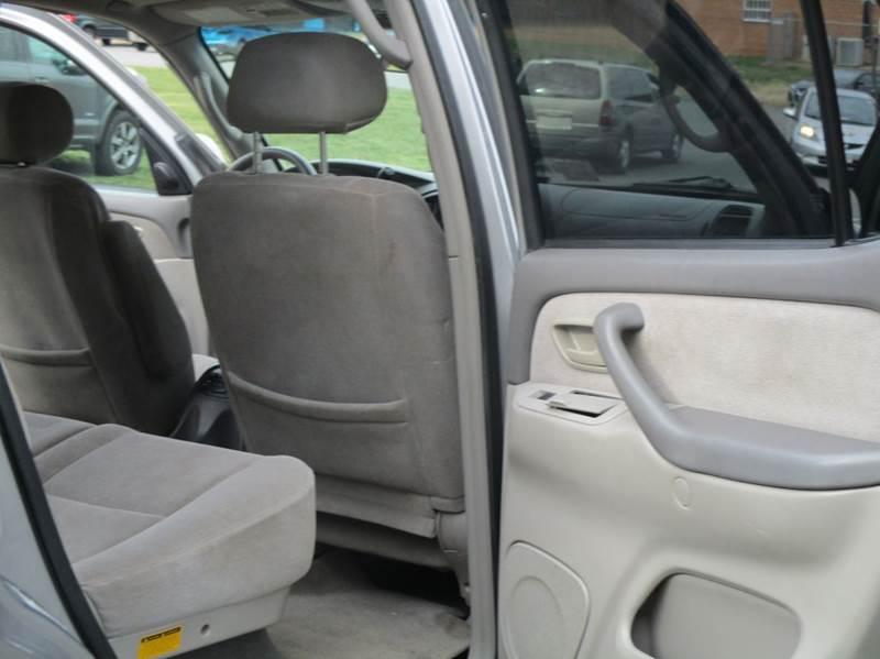 2001 Toyota Sequoia SR5 4WD 4dr SUV - Leesburg VA