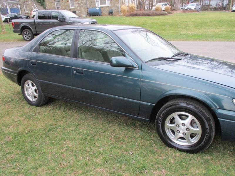 1998 Toyota Camry LE 4dr Sedan - Leesburg VA