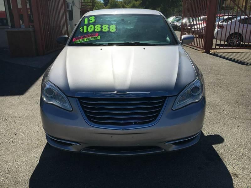2013 Chrysler 200 Touring 4dr Sedan - Sacramento CA