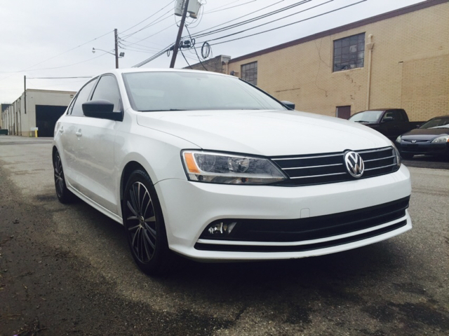 2016 volkswagen jetta 1 8t sport pzev 4dr sedan 5m in hasbrouck heights nj auto direct inc. Black Bedroom Furniture Sets. Home Design Ideas