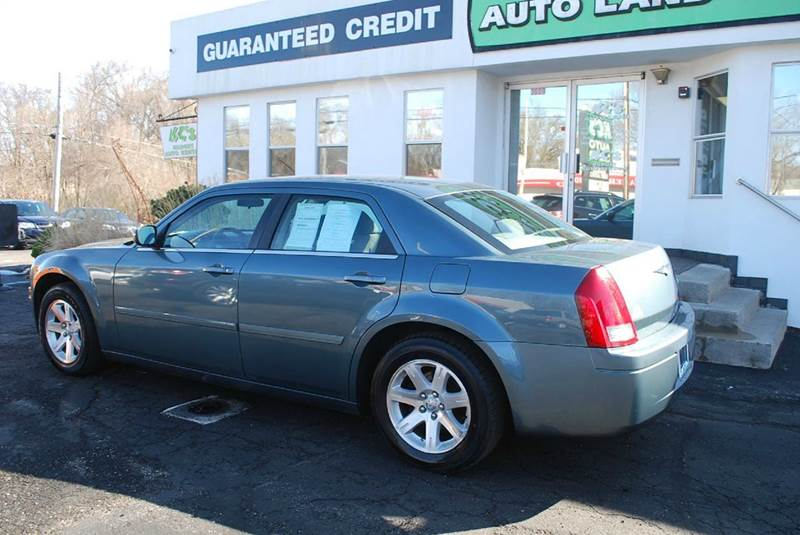 2006 Chrysler 300 4dr Sedan - Kalamazoo MI