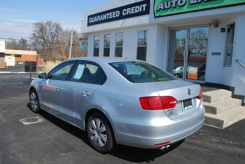 2012 Volkswagen Jetta SE PZEV 4dr Sedan 6A w/ Convenience and Sunroof - Kalamazoo MI