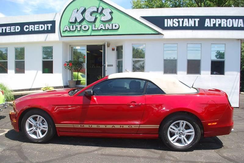 2013 Ford Mustang V6 2dr Convertible - Kalamazoo MI
