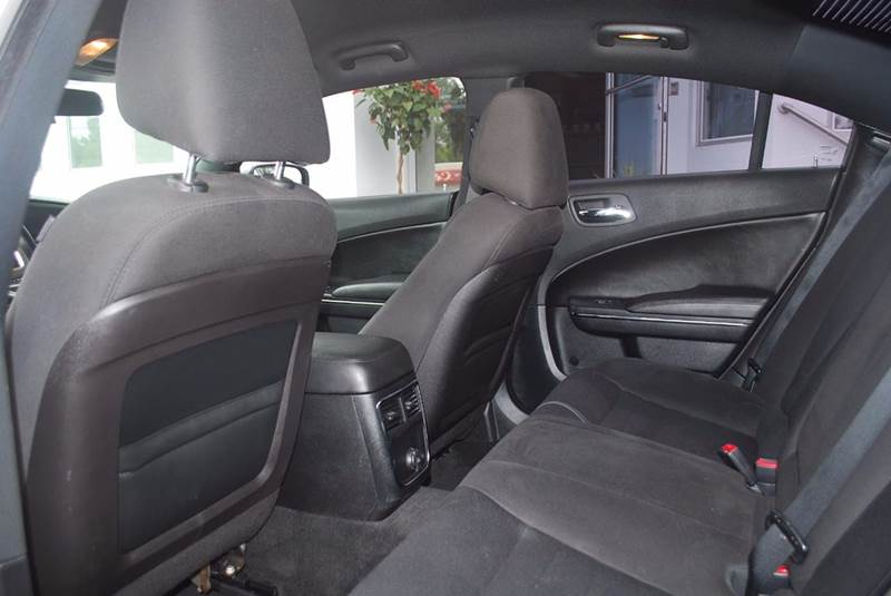 2013 Dodge Charger SE 4dr Sedan - Kalamazoo MI