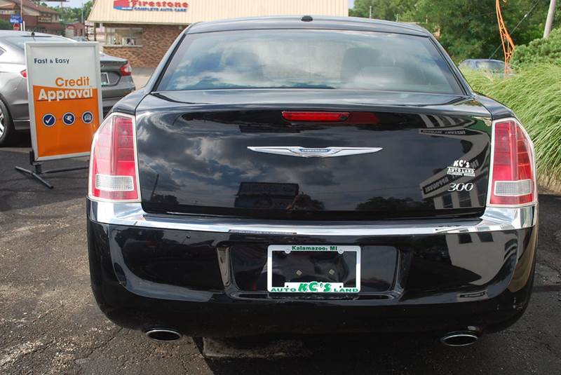 2012 Chrysler 300 4dr Sedan - Kalamazoo MI