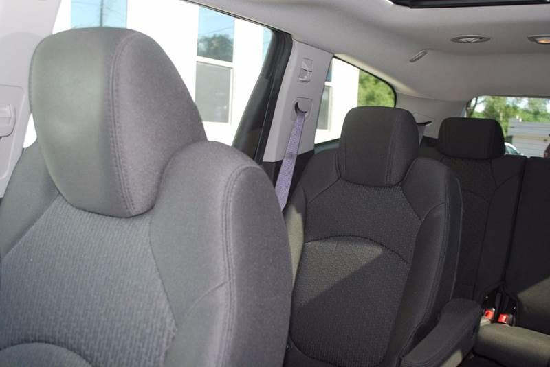 2010 Chevrolet Traverse LT 4dr SUV w/2LT - Kalamazoo MI