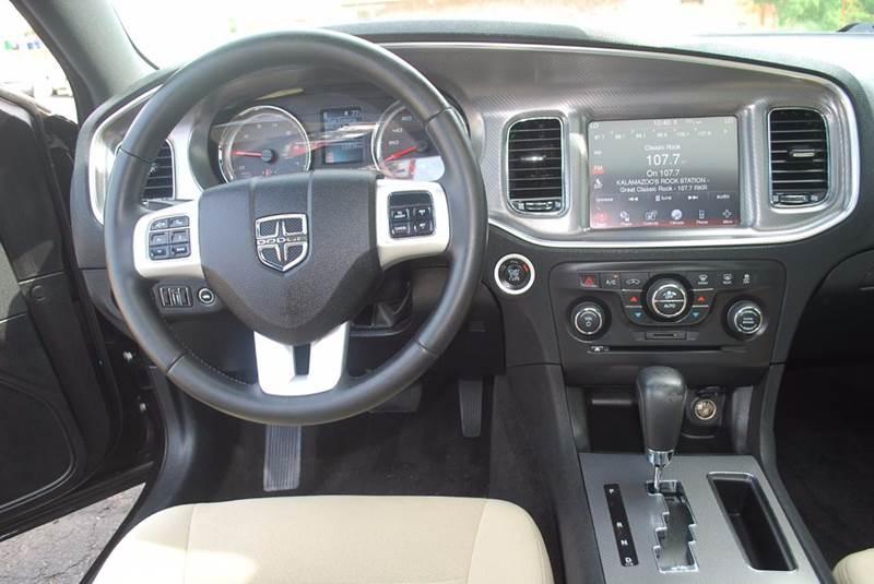 2011 Dodge Charger SE 4dr Sedan - Kalamazoo MI