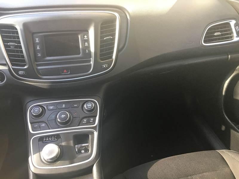 2015 Chrysler 200 Limited 4dr Sedan - Tallahassee FL
