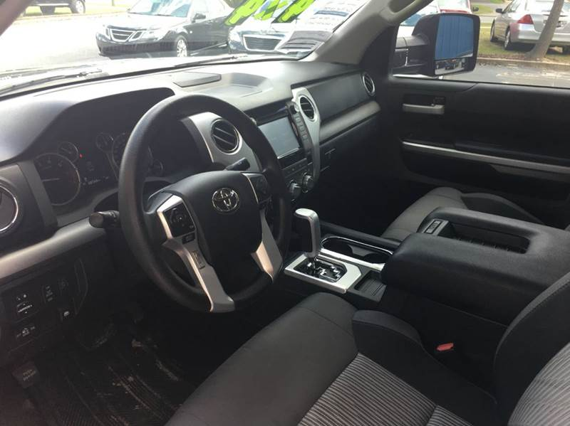 2015 Toyota Tundra 4x4 SR5 4dr CrewMax Cab Pickup SB (5.7L V8 FFV) - Tallahassee FL
