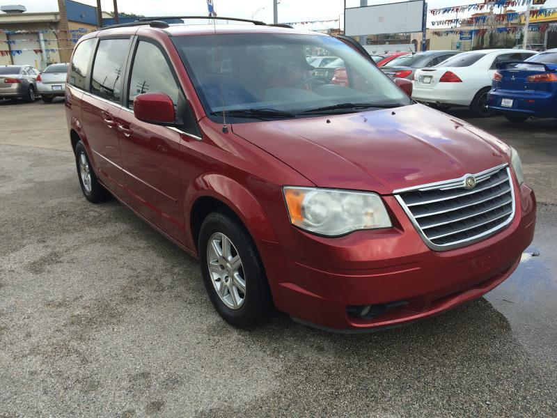 2008 Chrysler Town and Country Touring 4dr Mini-Van - Beaumont TX