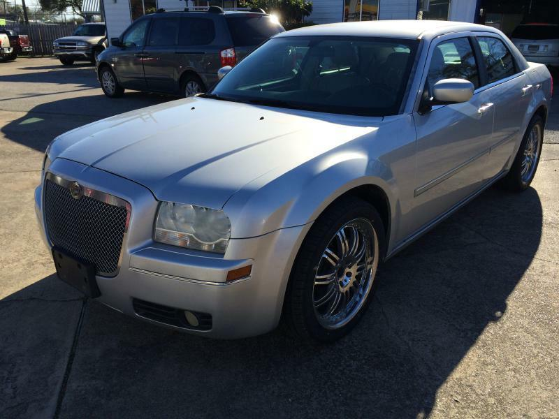 2006 Chrysler 300 Touring 4dr Sedan - Beaumont TX