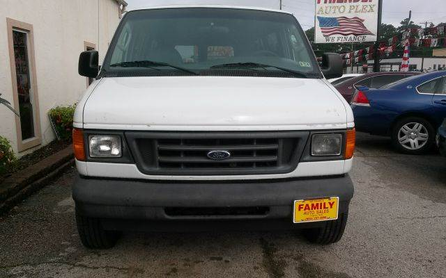 2003 Ford E-Series Wagon