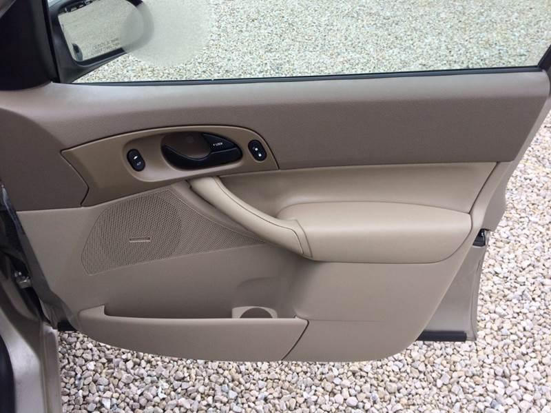 2006 Ford Focus ZX4 SE 4dr Sedan - Jefferson City MO