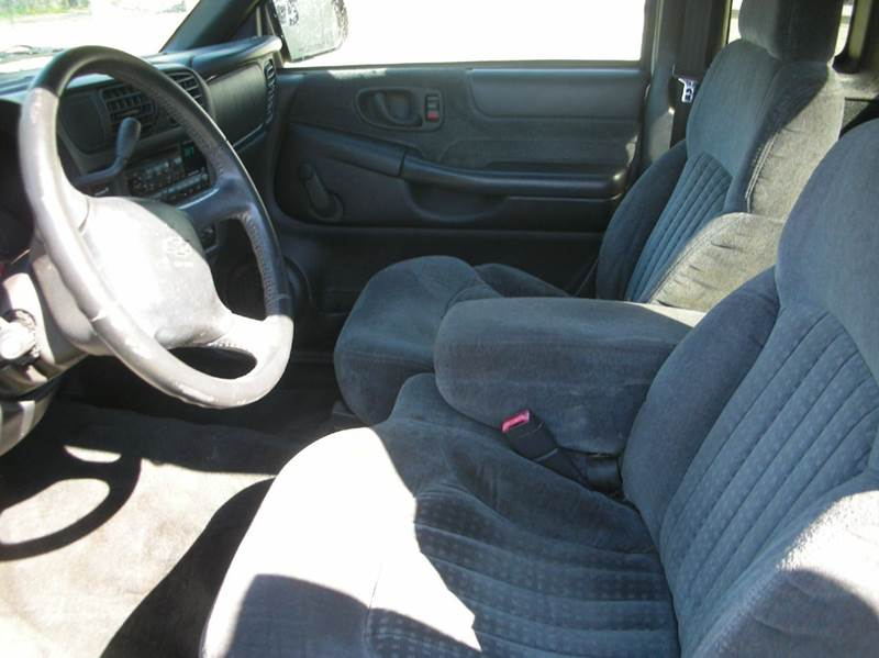 2001 Chevrolet S-10 2dr Extended Cab LS 2WD SB - Greenville SC