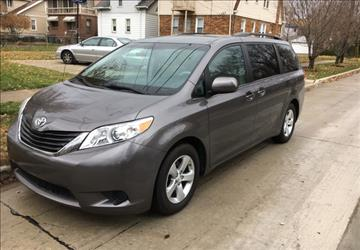 2013 Toyota Sienna for sale in Calabasas, CA