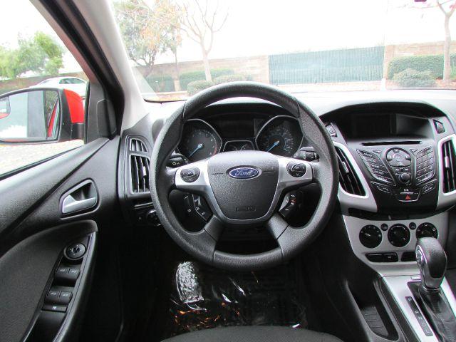 2013 Ford Focus SE 4dr Sedan - Modesto CA