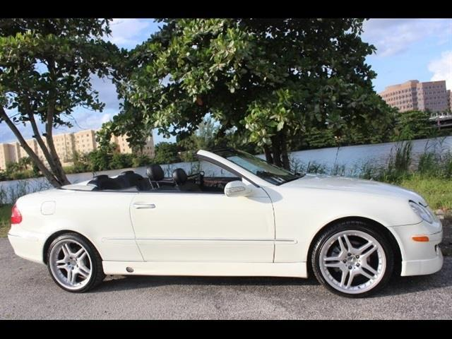 2009 MERCEDES-BENZ CLK CLK350 2DR CONVERTIBLE white  we finance everyone  best color combo