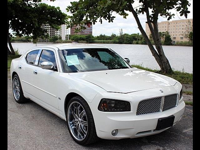 2010 DODGE CHARGER SXT 4DR SEDAN white excellent condition best color combo very spacious v