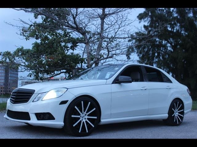 2010 MERCEDES-BENZ E-CLASS E350 LUXURY 4DR SEDAN white always serviced still under factory war