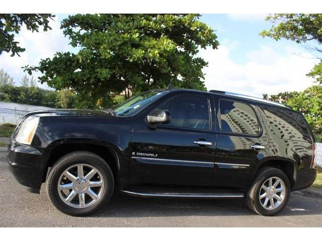 2008 GMC YUKON DENALI 4X2 4DR SUV onyx black this is a beautiful one owner 2008 gmc yukon denali