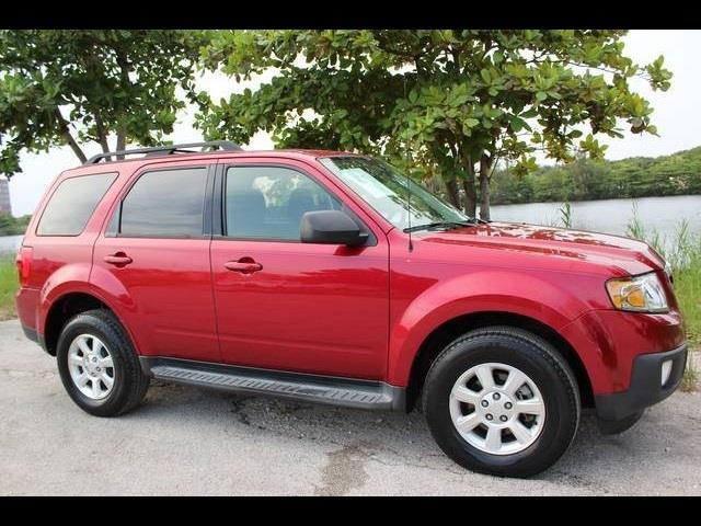2009 MAZDA TRIBUTE I SPORT 4DR SUV 6A burgundy  clean carfax  no accidents   we financ