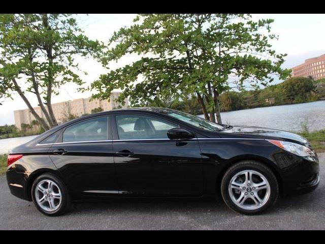 2011 HYUNDAI SONATA GLS 4DR SEDAN 6A black miami auto wholesale is a family owned and operated dea