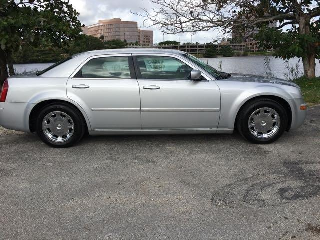 2006 CHRYSLER 300 TOURING 4DR SEDAN silver miami auto wholesale is a family owned and operated de