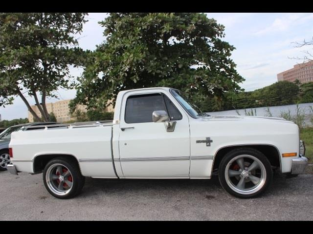 1985 CHEVROLET CK 10 SERIES C10 SCOTTSDALE white no accidents clean carfax 350 v8 engine