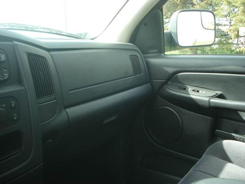 2005 Dodge Ram Pickup 2500 4dr Quad Cab SLT 4WD SB - Hazard NE
