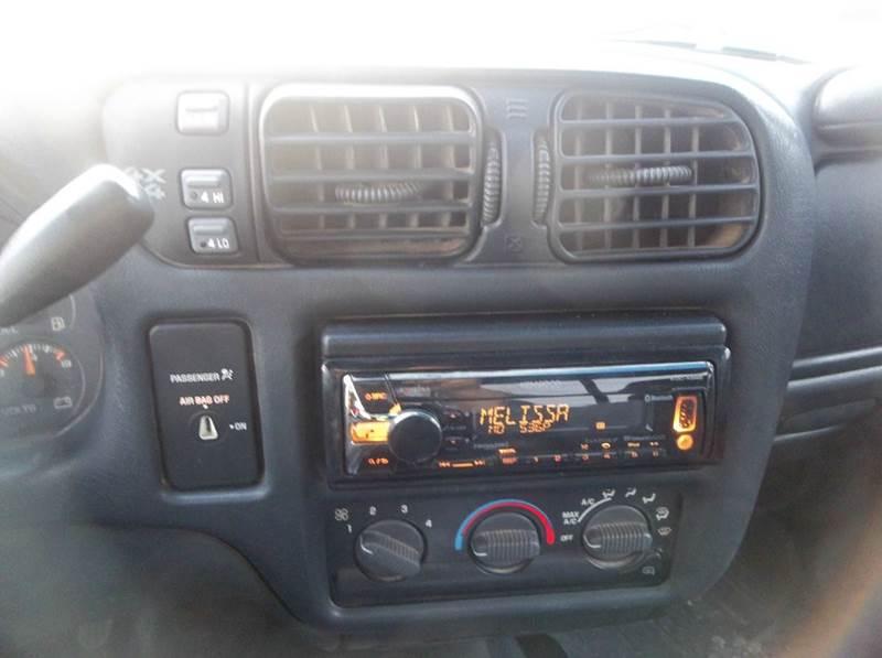 2000 Chevrolet S-10 2dr LS 4WD Extended Cab SB - Hazard NE