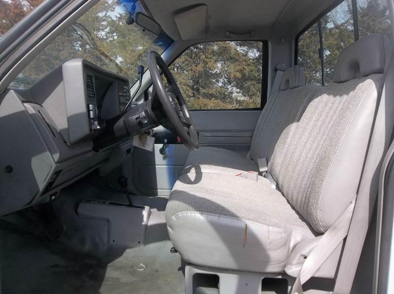 1994 Chevrolet C/K 2500 Series 2dr K2500 Cheyenne 4WD Standard Cab LB - Hazard NE