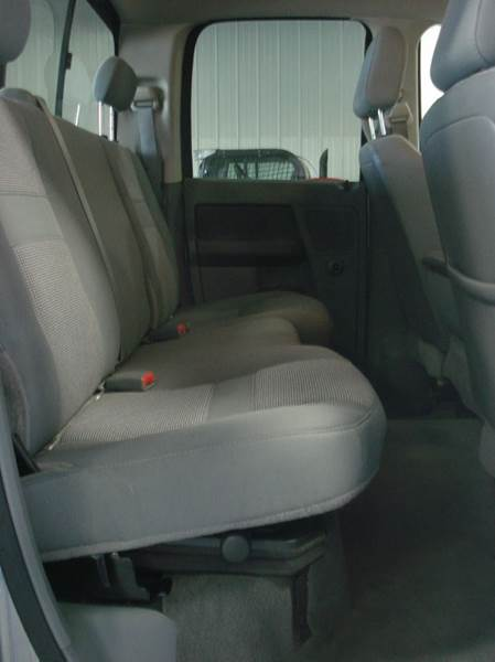 2009 Dodge Ram Pickup 2500 4x4 SLT 4dr Quad Cab 6.3 ft. SB Pickup - Hazard NE