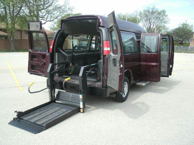 2003 Chevrolet WHEEL CHAIR VAN