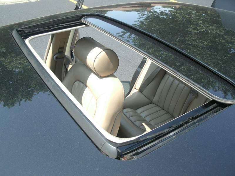 2001 Jaguar XJ-Series XJ8 4dr Sedan - Skokie IL