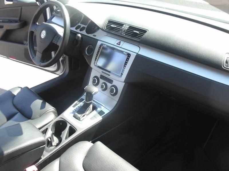 2009 Volkswagen Passat Komfort 4dr Sedan - Skokie IL