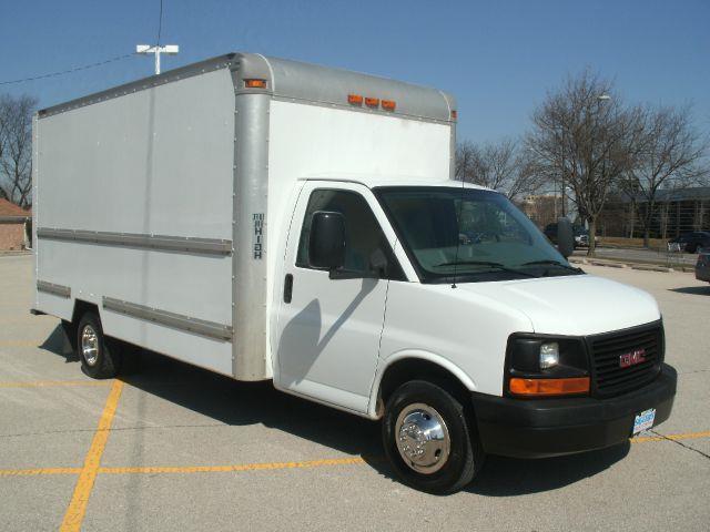 2007 GMC BOX TRUCK