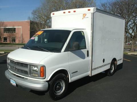 2002 Chevrolet G30 10FT BOX TRUCK