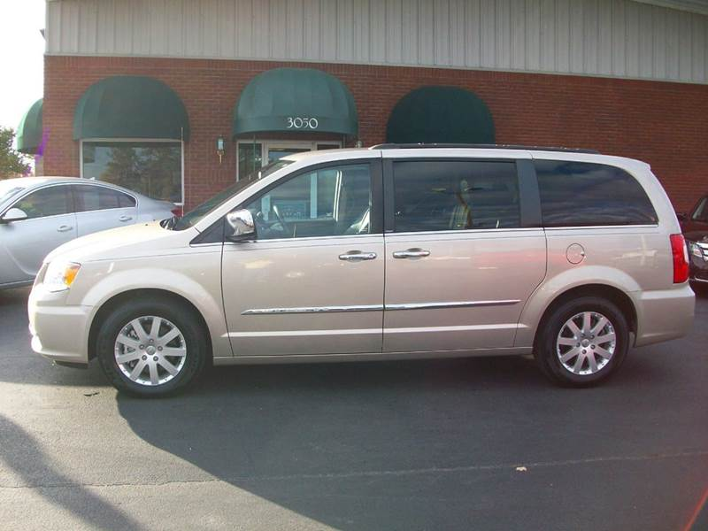 Town And Country Touring For Sale And Black Carpet