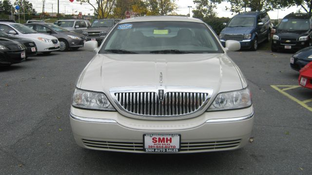 2005 Lincoln Town Car for sale in Frederick MD