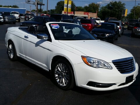 2011 Chrysler 200 Convertible for sale in Terre Haute, IN