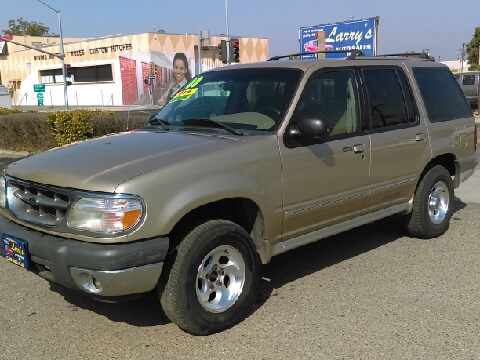 2000 Ford Explorer for sale in Fresno, CA